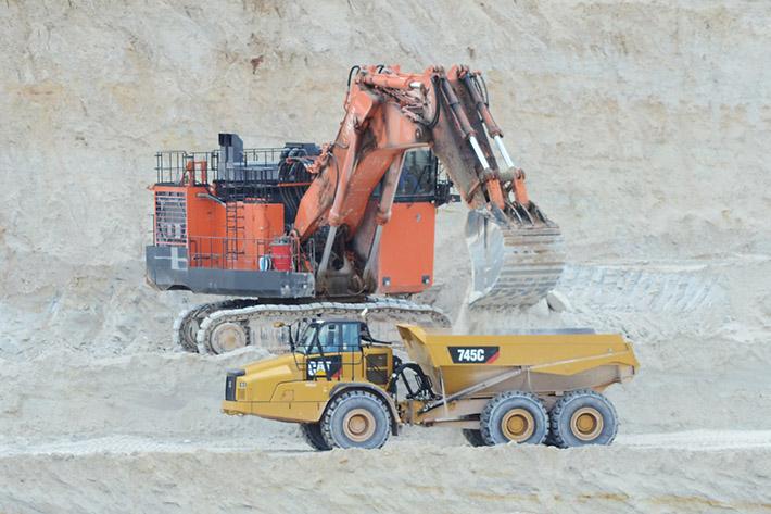 loader-and-dump-truck